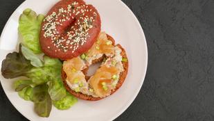 A legtökéletesebb reggeli: egy adag bagel lazacos-uborkás sajtkrémmel