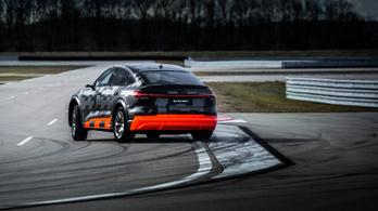 Jön a sportosabb villany-Audi