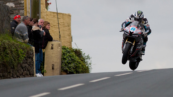 Michael Dunlop elindul a Daytona 200-on