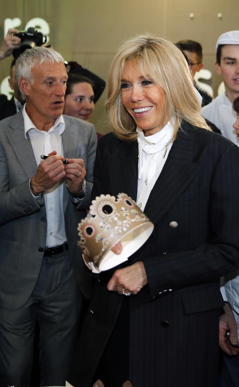 Brigitte Macron legalább tíz évet bátran letagadhatna a korából.