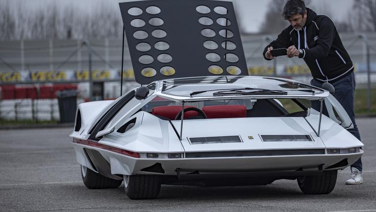 Újra száguld a Ferrari 50 éves űrhajója