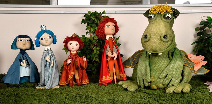 A Süsü, a sárkány című bábfilmsorozat eredeti bábfigurái: Dajka, Királylány, Kiskirályfi, Királyfi és Süsü