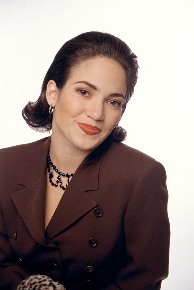 Jennifer Lopez karrierjének kezdetét 1987-re lehetne datálni, ekkor tűnt fel ugyanis  MC Hammer U can't touch this dalának videoklipjében