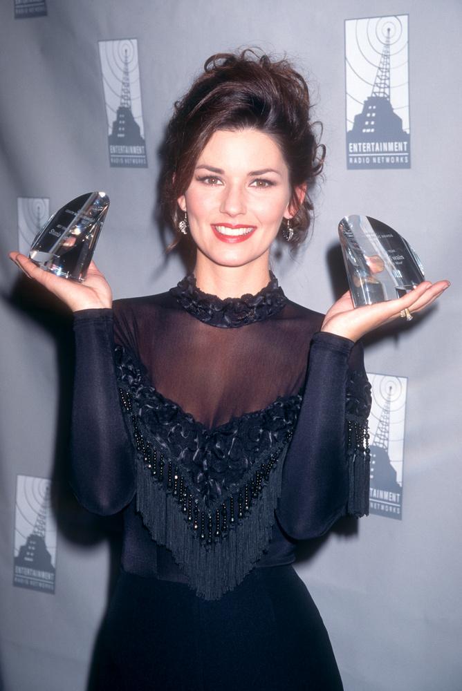 Igaz, Shania Twain jóval később induld el a popszakmában, mint fenti kollégái, ez nem rajta múlott