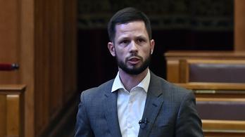 Feljelent két parlamenti képviselőt Tordai Bence