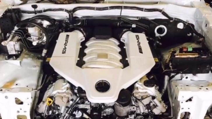 Hilux-V8-AMG 2