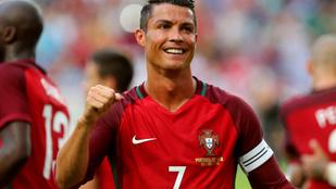 Cristiano Ronaldo 4 gyerekével osztozik egy kádon