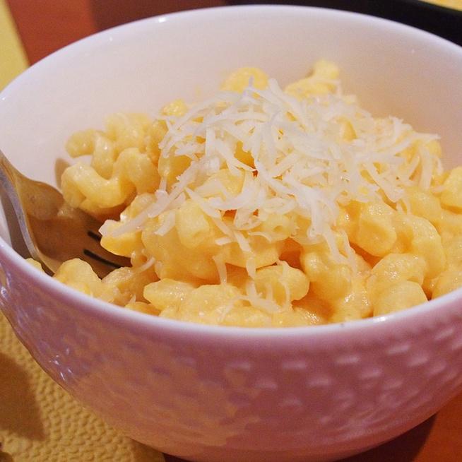 Zöldséges mac and cheese: répa és karfiol kerül a selymes sajtszószba