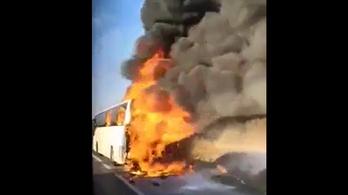 Kigyulladt és teljesen leégett egy volánbusz az M3-as autópályán