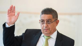 Vesztegetés miatt elítélték az Országos Roma Önkormányzat volt elnökét