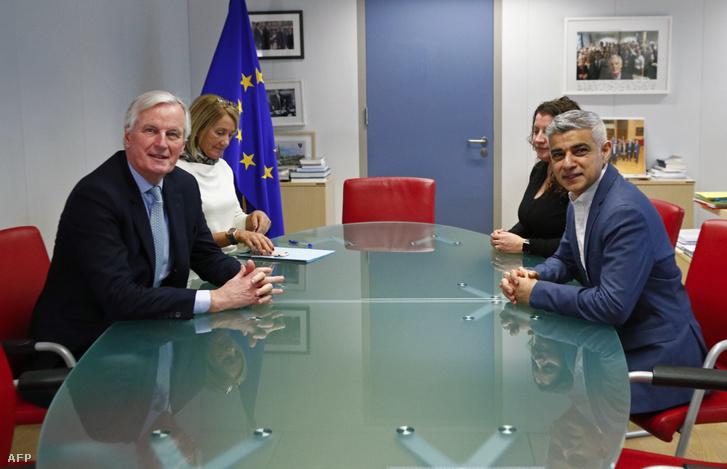 Michel Barnier a londoni polgármesterrel Sadiq Khannal tárgyal az EU Bizottságának székhelyén