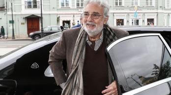 Plácido Domingo elnézést kért a nőktől, akik szexuális zaklatással vádolták meg