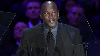 Jordan 11 percen át könnyezve köszönt el Kobe Bryanttől