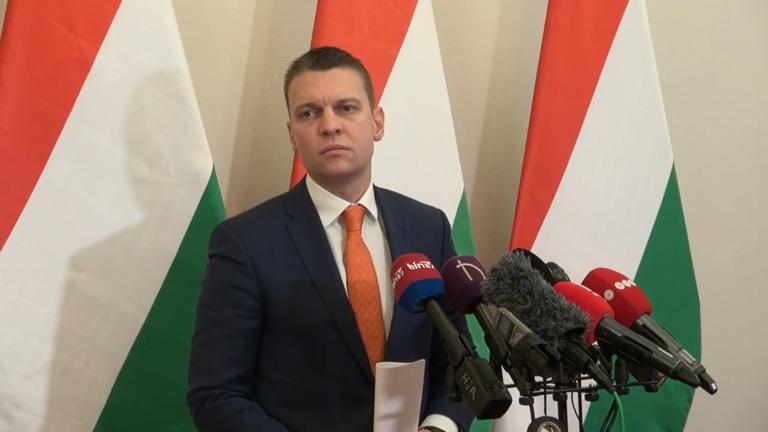 Koronavírus: magyarok vesztegzár alatt