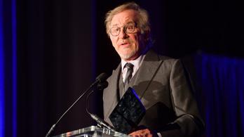 Steven Spielberg aggódik amiatt, hogy lánya pornózni kezd, de azért támogatja