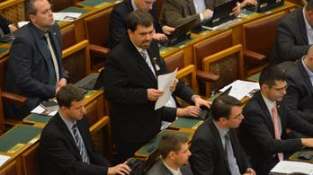 Szávay István is távozik a Jobbikból