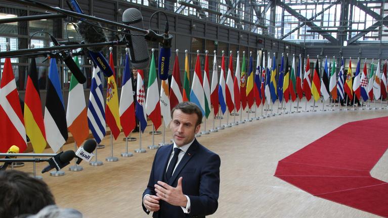 Macron az EU hátán csinálna nagyhatalmat Franciaországból