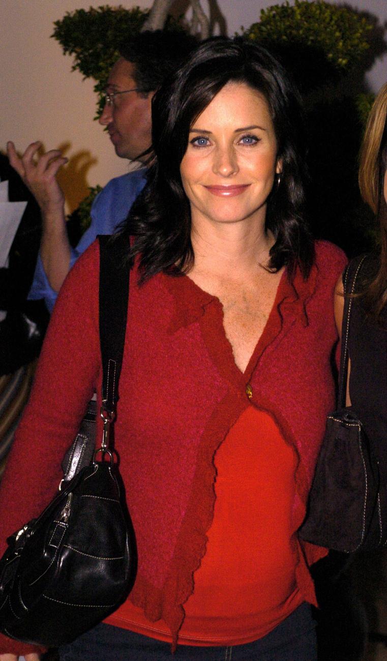 Courteney Cox a Jóbarátok idején volt a csúcson, egyrészt a sorozatnak, másrészt a Sikoly-filmeknek köszönhetően, melyből bár 2011-ben is kijött egy rész (a negyedik), a nézők már annyira nem haraptak rá