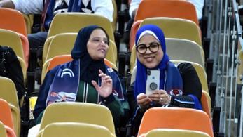 Elindul a női labdarúgó-bajnokság Szaúd-Arábiában
