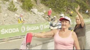 A Tour de France nyugdíjasai pár percre virgonc gyerekké válnak