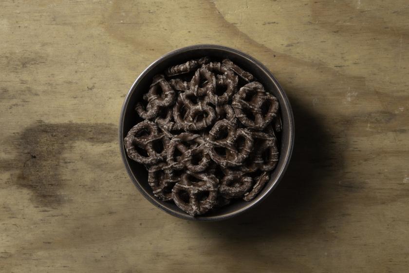 Csokival bevont perec recept