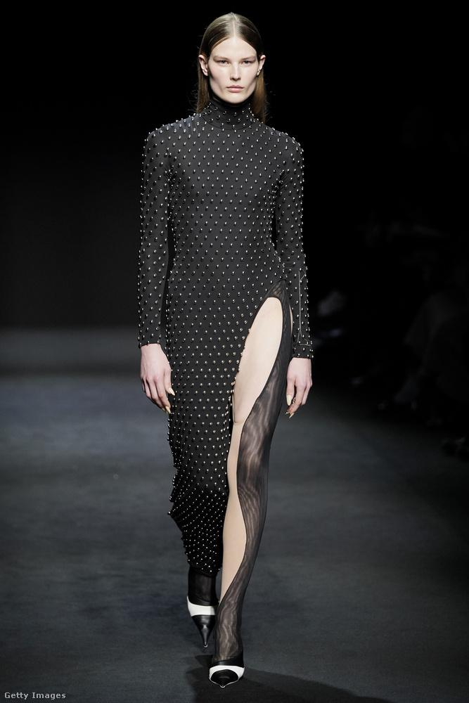 Hát egyelőre ennyit a párizsi divathétről, de ha a milánói összeállításunkat még nem látta, nagyon ajánljuk, itt található!