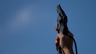 Mi történik a levegőbe lőtt lövedékkel?