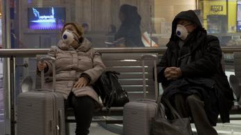 Az ukrán határon mindenkinek ellenőrzik a testhőmérsékletét, Trump koronavírus cárt nevezhet ki