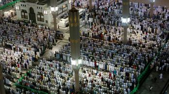 Koronavírus: nem léphetnek be Szaúd-Arábiába a mekkai zarándoklatra érkezők