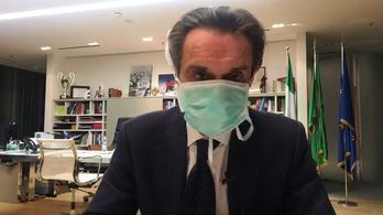 Szájmaszkban jelentette be Lombardia elnöke, hogy önkéntes karanténba vonul