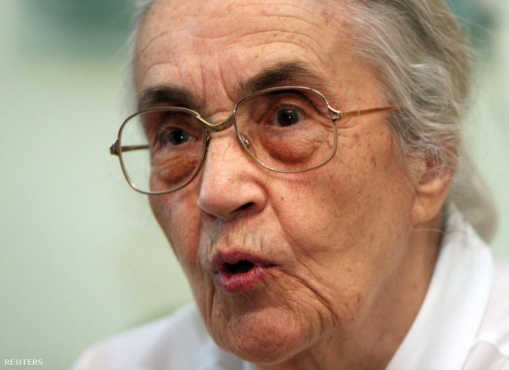 Nexhmije Hoxha 2008. szeptember 12-én