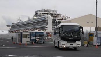 Japán elismerte, hogy hibáztak a Diamond Princess karanténjával