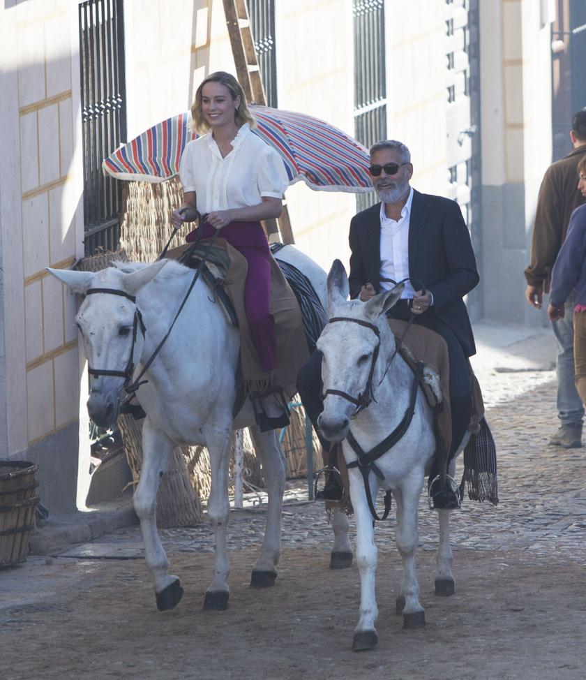 George Clooney és Brie Larson színésznő a márka egyik reklámforgatásán.