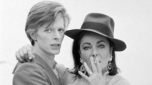 David Bowie kiborította Elizabeth Taylort