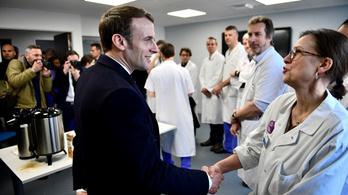 Macron a koronavírusról: Válság előtt állunk, érkezik a járvány