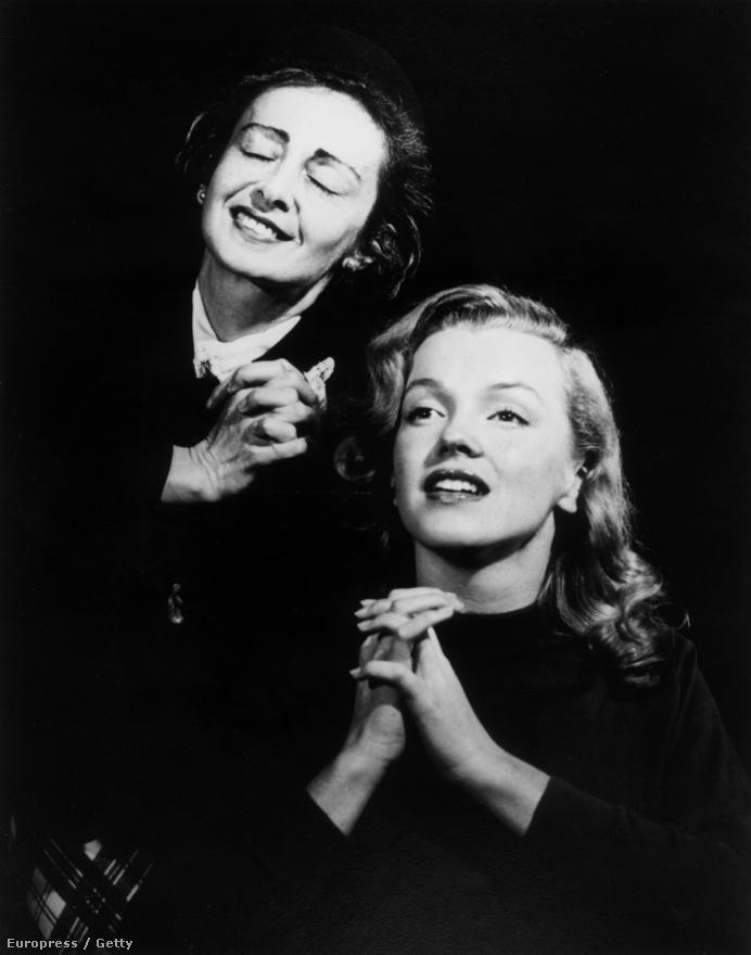 1948-ban, már Marilyn Monroe-ként kapott hathónapos szerződést  a Columbia Pictures filmstúdiótól. Hogy a különböző musicalekben és filmekben helytállhasson, Natasha Lytesstől vett drámaórákat.