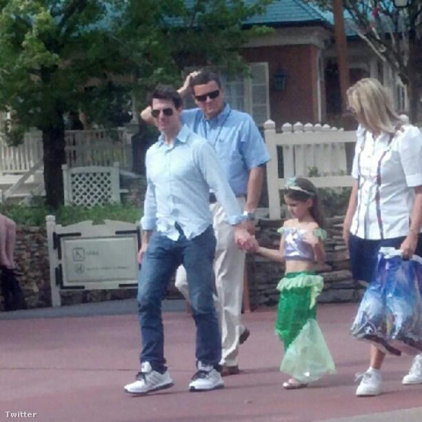 Tom Cruise lányával a Disney Worldben