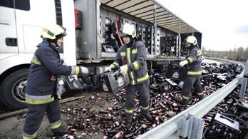 Nagyon sok, irtózatosan sok sör folyt el az autópályán