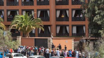 Kiengednek 130 embert a karantén alá került tenerifei hotelből