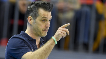 A legjobb magyar férfi röplabdaklub lecsapott a tévéüzenetért kirúgott edzőre