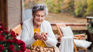 Heti két marék dió az egészségesebb időskor titka?