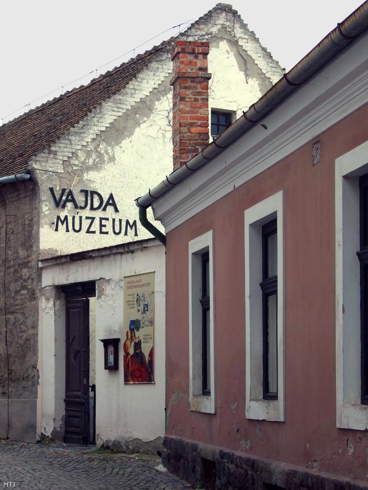 Vajda Lajos múzeuma is a bezárásra ítélt kiállítóhelyek közé tartozik