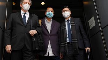 Hongkongi milliárdost tartóztattak le a tavalyi tüntetéseken való részvétele miatt