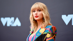 Taylor Swift férfinak maszkírozta magát új videoklipjében