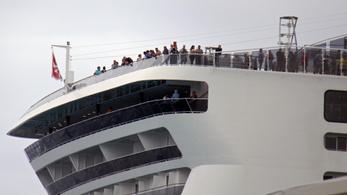 Karantén alatt van 30-40 magyar utas Mexikóban egy turistahajón