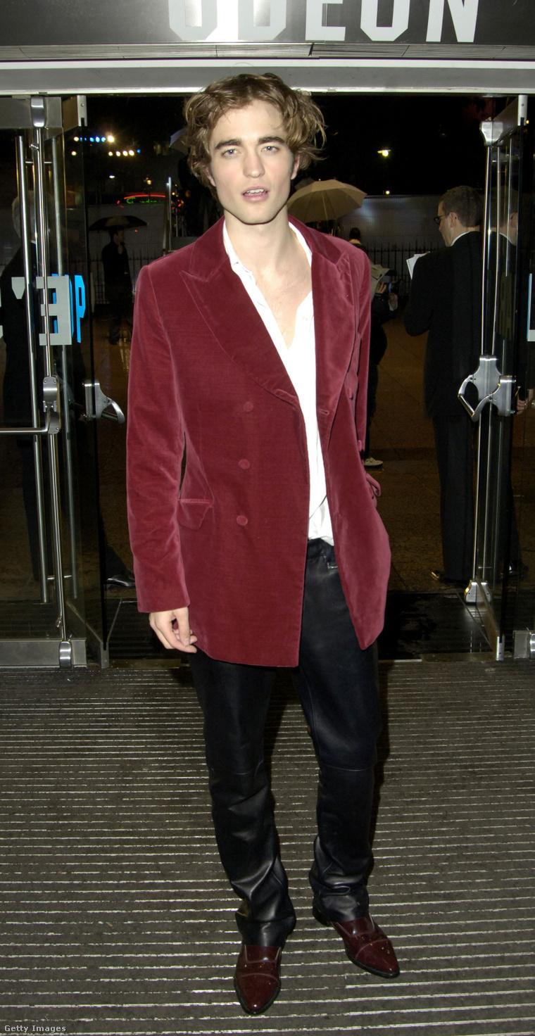 Robert Pattinson különös szettben a Harry Potter és a Tűz Serlege című film premierjén