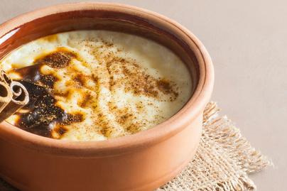 Krémes, sült török tejberizs házilag: ettől olyan finom a sütlak az étkezdében