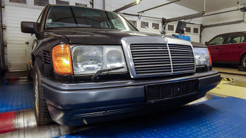 Totalcar Erőmérő: Mercedes-Benz 250 D Turbo (W124)