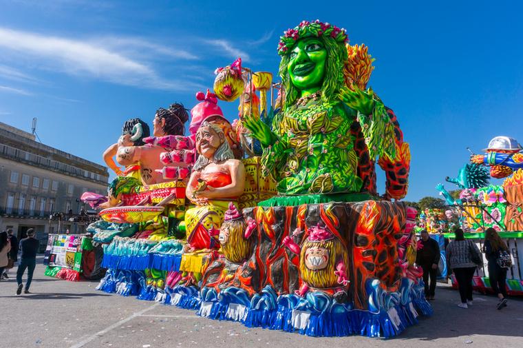 Málta számos városában rendeznek karneváli felvonulást farsang idején, de a legnagyobbak és legnépszerűbbek a vallettai és a gozói