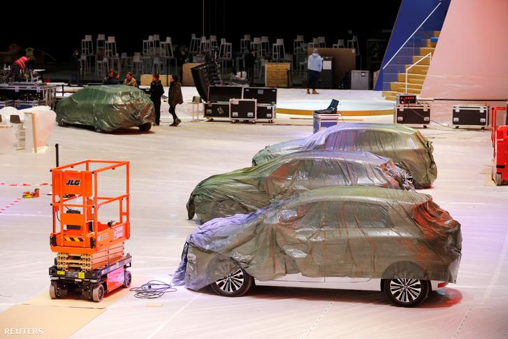 Autók a genfi autókiállításon, miután törölték az eseményt